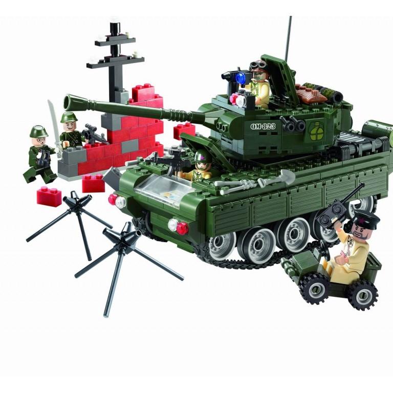 Tancul de lupta, 466 de piese si 5 figurine, Combat Zones 823